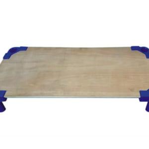 Giường gỗ chân nhựa