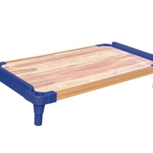 Giường nhựa sàn gỗ
