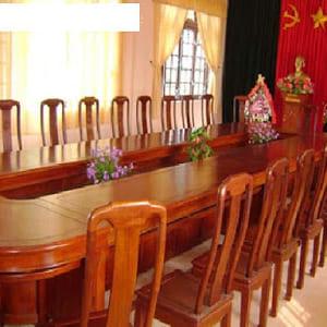 Bàn ghế hội nghị bằng gỗ tự nhiên