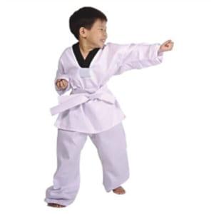 Quần áo học võ cho bé