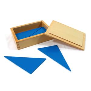 Hộp đựng các hình tam giác màu xanh
